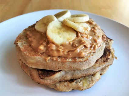 Crunchy peanut butter with banana slices