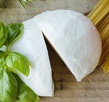 mozzarella-1575066_640